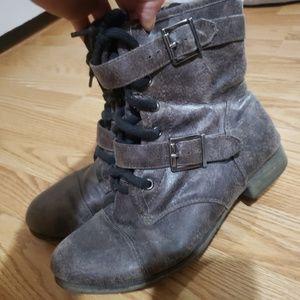 Buckle daytrip boots